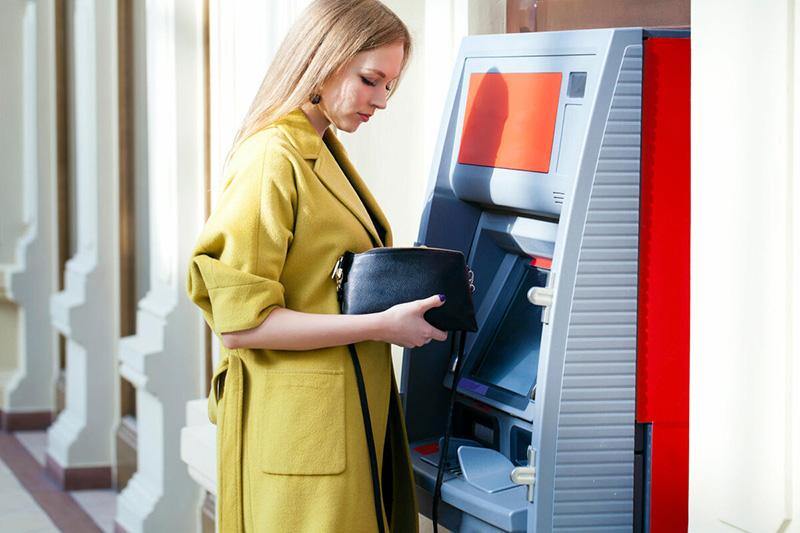 кредитная карта банкомат